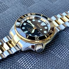 A provider of Custom Seiko Watch Modification services. Specializing in Seiko Mods and Watch Modding services. Custom designs and pre-built Seiko Mods for sale. Seiko Mod Parts. White Watches For Men, Simple Watches, Stylish Watches, Luxury Watches For Men, Cool Watches, Seiko Skx, Seiko Watches, Swiss Automatic Watches, Seiko Diver