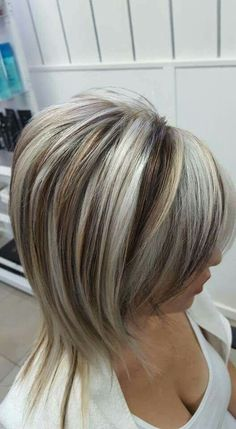 short brown hair with blonde foils Short Brown Hair, Brown Blonde Hair, Short Hair Cuts, Blonde Foils, Short Blonde, Medium Hair Styles, Short Hair Styles, Hair Rehab, Low Lights Hair