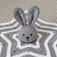 Mesmerizing Crochet an Amigurumi Rabbit Ideas. Lovely Crochet an Amigurumi Rabbit Ideas. Crochet Security Blanket, Crochet Ripple Blanket, Crochet Lovey, Crochet Baby Toys, Crochet Rabbit, Crochet Amigurumi, Baby Girl Crochet, Crochet Blanket Patterns, Crochet Dolls