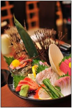 """Sashimi Moriawase. So luxurious!! This cuisine is basically called """" Sashimo Moriawase """". """"Sashimi"""" means """" Raw Fish """" """"Moriawase"""" means putting various types of specific foods on the plate altogether. So, """"Sashimi Moriawase"""" means putting various types of raw fish basically depending on the season on the plate. #japan #japanese_food #sushi"""