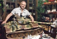 """Simon Hill 