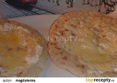 Chlebové placky z pánve se smetanou a sýrem recept - TopRecepty.cz
