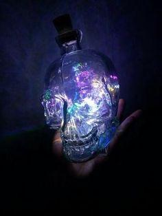 Luminária Caveira - LED - Comprar em Kuma Store