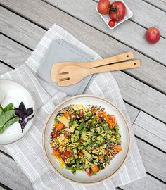 tomato + avocado + corn + basil + quinoa salad  - what's cooking good looking - a healthy, seasonal, tasty food and recipe journal