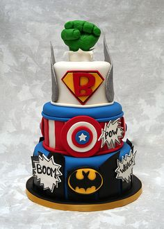 Superhero by Whimsy Cakes  (Not sure who the 'B' layer is?... possibly the beginning letter of the child's name) Cute Cakes, Pretty Cakes, Fancy Cakes, The Avengers, Marvel Cake, Marvel Dc, Gateau Super Heros, Cakes For Boys, Cake Kids