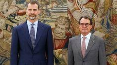 Ni el Rey ni Rajoy agradecen en el BOE los servicios a Mas