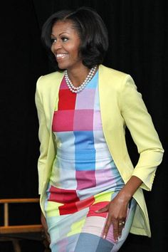 First lady Michelle Obama speaks at the Newseum in Washington, DC, June Michelle Obama Flotus, Michelle Obama Fashion, Barack And Michelle, Blake Lively, Barack Obama Family, American First Ladies, First Black President, Beautiful Black Women, Lady