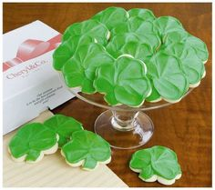 Buttercream Frosted Shamrock Cut-out Cookies No Bake Desserts, Dessert Recipes, Yummy Treats, Sweet Treats, Yummy Food, Best Cookies Ever, Cant Stop Eating, Cut Out Cookies, Cookie Exchange