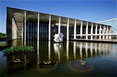 Principais Obras de Oscar Niemeyer - No Brasil e No Exterior - Palácio do Itamaraty em Brasília