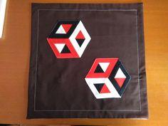 Povlak+na+polštářek+Ptchworkový+povlak+na+polštářek.+S+3D+motivem.