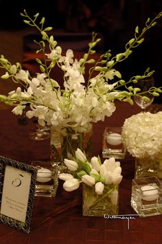 A simple white centerpiece