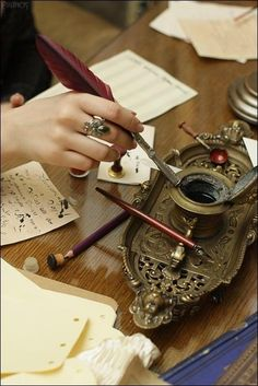 Inkwell and letters Tinteiro e letras Quill And Ink, Old Letters, Dip Pen, Lost Art, Penmanship, Letter Writing, Writing Desk, Writing Station, Pen And Paper