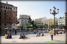 Plaza de la Virgen.  http://www.valenciabusturistic.com/