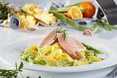 Sous-vide Schweinefilet mit Bohnen, Orangenfilet und Tagliatelle.