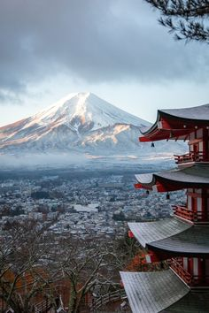 Japan is beautiful, especially during spring time. Showing you the best places around the globe to travel to. lightsinn | japan travel | what to do in tokyo | bucket list | bucket list asia | dubai travel | japan travel | tulpen | france trip california travel | new york city trip | sakura | blossom | bloom | spring | frühlingsziele | spring travel | julija_makani | greece travel | netherlands travel | usa travel #japan #lightsinn #visitjapan Monte Fuji Japon, Fuji Mountain, Mountain View, Mont Fuji, Japon Illustration, Winter Wallpaper, Photos Voyages, Landscape Wallpaper, Japan Travel