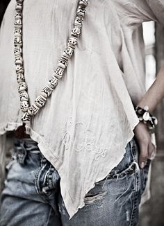 What a beautiful summer outfit! Bohemian Mode, Hippie Chic, Boho Gypsy, Bohemian Style, Boho Chic, Bohemian Beach, Denim Fashion, Love Fashion, Hippie Vintage
