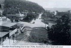 Brooklyn Rd looking west in the late 1920s,Hawkesbury River Hotel with tower at centre left.A♥W