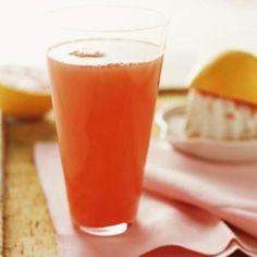 Decir ¡Bye! a la Piel Naranja eliminando la celulits de manera deliciosa (Receta)... http://www.recetasparaadelgazar.com/2013/11/jugo-eliminador-de-celulitis/