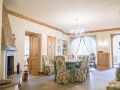 Vendita Villa in viale Monte Bianco Courmayeur. Ottimo stato, posto auto, terrazza, riscaldamento autonomo, 400 mq