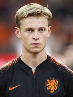 Frenkie de Jong of Holland during the UEFA Nations League A group 1 qualifying match between The Netherlands and Germany at the Johan Cruijff Arena on October 2018 in Amsterdam, The Netherlands(Photo by VI Images via Getty Images) Football Fever, Football Art, Fifa, Fc Barcelona Wallpapers, Sports Celebrities, James Rodriguez, Soccer Boys, Sports Pictures, Haircuts For Men