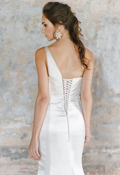 Wedding Dresses for Bridesmaids Find amazing wedding dresses collection on our store. Elegant Wedding Gowns, Amazing Wedding Dress, Designer Wedding Dresses, Elegant Dresses, Wedding Bridesmaid Dresses, Boho Wedding Dress, Homecoming Dresses, Tulle Wedding, Mermaid Wedding