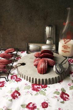i thought it would be fun to create some red velvet Madeleine's for valentines day.  i also made a concrete platter using a silicone tart mould