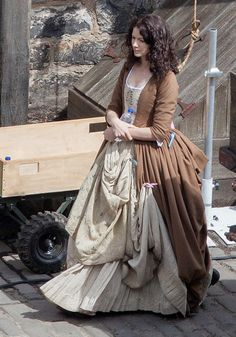 'Outlander' Season 2 Begins Filming in Fife, Scotland Harbor with Caitriona Balfe (Claire Fraser) and Sam Heughan (Jamie Fraser)