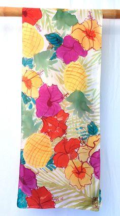 Silk Scarf Handpainted Large Silk Scarf Retro por SilkScarvesTakuyo