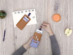 iPhone case Caramel with pocket for earphones - LOST & FOUND accessoires