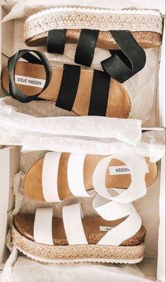 Dr Shoes, Hype Shoes, Me Too Shoes, Jeans Shoes, Shoes Men, Sock Shoes, Sneakers Fashion, Fashion Shoes, Wedge Sandals