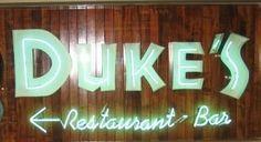 Duke's, Hawaii