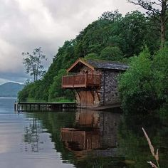 The Duke of Portland boathouse on Ullswater. Thanks to my old cricketing mate Mally for this one. He takes pictures better than he could ever bowl!!! #cumbria #thelakedistrict #ullswater #uk