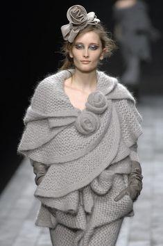 Retrouvez une sélection d'articles Sonia Rykiel en vente dans notre boutique et sur st-troc.com. Sonia Rykiel Fall 2007