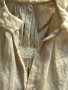 details>raw edge, pleats, crochet trim