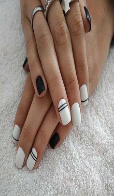 awesome use of black and white Easy Nail Art, Cool Nail Art, Nail Arts, How To Do Nails, Hair And Nails, Nail Ideas, Acrylic Nails, Nail Designs, Black And White