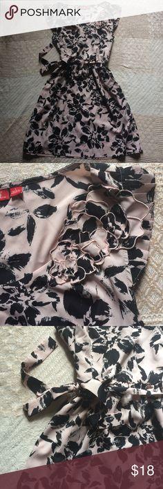 Elle Floral Dress One of our favs! Floral print with 3D assymetric flower should design. Cap sleeves. Belted. Elle Dresses