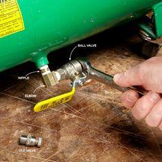 Air Compressor and Hose Tips for the Pros - Construction Pro Tips Garage Tools, Diy Garage, Garage Workshop, Garage Ideas, Workshop Layout, Workshop Storage, Workshop Ideas, Air Compressor Repair, Home Plans