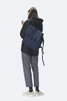 At Rains you will find the best selection of waterproof MSN bags People Cutout, Cut Out People, Pose Reference Photo, Art Reference Poses, Poses Modelo, Render People, People Png, Architecture People, Human Poses