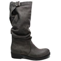 Art. Bik/A - New Collection -Fall Winter 14/15   Stivali  Biker Boots in Vera Pelle Grigio. Con Fodera interna in Lycra.  Dettaglio doppia impuntura laterale, cinturino posteriore regolabile altezza tacco:  3,5 cm 100% Made in Italy di produzione artigiana. #stivali #alti #highboots #bikerboots #biker #boots #madeintaly #grigio #verapelle #nabuk #woman #shoppingonline #personalshoepper #bik #kirabonelli