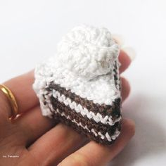 How I make these mini crochet slices of cakes and pies!