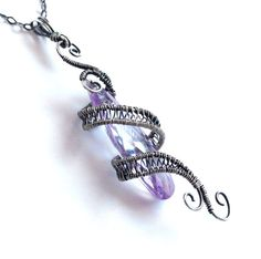 starfall pendant light amethyst purple - I love the idea of two thick wires with skinny wire streamed between and then twisted. Cute Jewelry, Jewelry Crafts, Jewelry Accessories, Handmade Jewelry, Jewelry Design, Jewlery, Fantasy Jewelry, Gothic Jewelry, Collar Hippie
