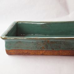 Pottery baking dish handmade stoneware by jjpottery on Etsy Pottery Plates, Slab Pottery, Ceramic Plates, Ceramic Pottery, Ceramic Baking Dish, Baking Dishes, Hand Thrown Pottery, Pottery Designs, Pottery Ideas