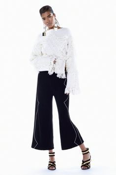 Absolutely love this star/fringe sweater. Begs for snow & firelight. And to be added to the DIY list. ~BCBG Max Azria Pre-Fall 2016 Fashion Show