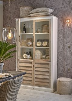 Find cheap affordable glass shelves styled for your home Large Shelves, Glass Shelves, Home Design, Diy Door Knobs, Glass Cabinet Doors, Glass Doors, Furniture Collection, Painted Furniture, Interior Decorating
