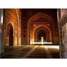 File Taj Mahal Mosque Interior Hall.jpg ❤ liked on Polyvore featuring backgrounds, photos, pictures, places and fairytales