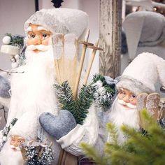 Vianoce u nás #kvetysilvia #kvetinarstvo #vianoce #kvety #christmas #merrychristmas #christmastree #christmastime #christmas2016 #love #instagood #cute #follow #photooftheday #beautiful #tagsforlikes #happy #nature #like4like #style #nofilter #pretty #design #awesome #home #handmade #winter #floral #picoftheday #decoration