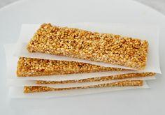 Greek Honey-Sesame Bars. tips: flaksalt på toppen