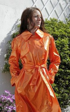 Raincoats For Women Shops Girls Raincoat, Red Raincoat, Vinyl Raincoat, Raincoat Jacket, Plastic Raincoat, Imper Pvc, Rain Fashion, Women's Fashion, Rubber Raincoats