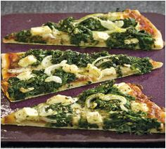 Pizza with spinach and feta cheese Easy Healthy Recipes, Vegetarian Recipes, Quiche, Spinach And Feta, Foods To Eat, Vegan Snacks, Fabulous Foods, Going Vegan, Food Inspiration