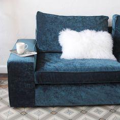 French blogger Hello Blogzine's gave her IKEA Kivik sofa a luxe update with a Bemz cover in Sea velvet | blue velvet soda with a white fur cushion | glamorous blue velvet sofa